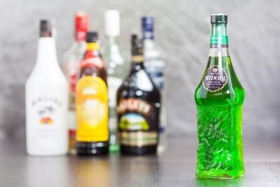 Best Liquors and Drinks to Drink Straight for a Newbie
