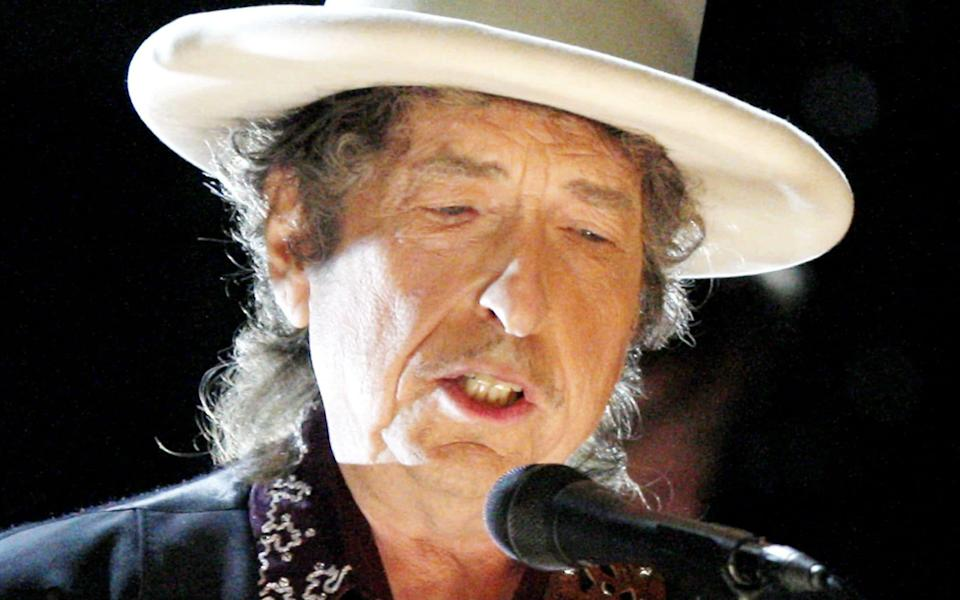 Comes from the streets: Bob Dylan in 2009