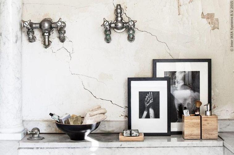Simple details add the finishing touches to this rustic bathroom: IKEA