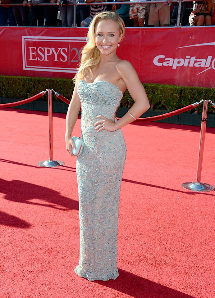 "Back in Los Angeles -- at the<a target=""_blank"" href=""http://omg.yahoo.com/photos/2012-espy-awards-slideshow/""> 2012 ESPY Awards</a>  -- former ""Heroes"" hottie Hayden Panettiere set the red carpet ablaze  in this sexy, strapless Giorgio Armani dress, which featured thousands  of mint-colored beads and an open back. A matching clutch, sideswept  tresses, and Bulgari jewels made for the perfect add-ons. (7/11/2012)"