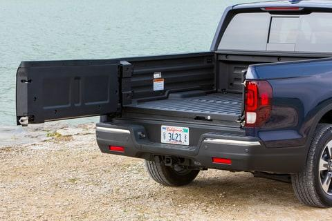 Honda's revived midsize pickup is killer for both road tripping and tailgating.