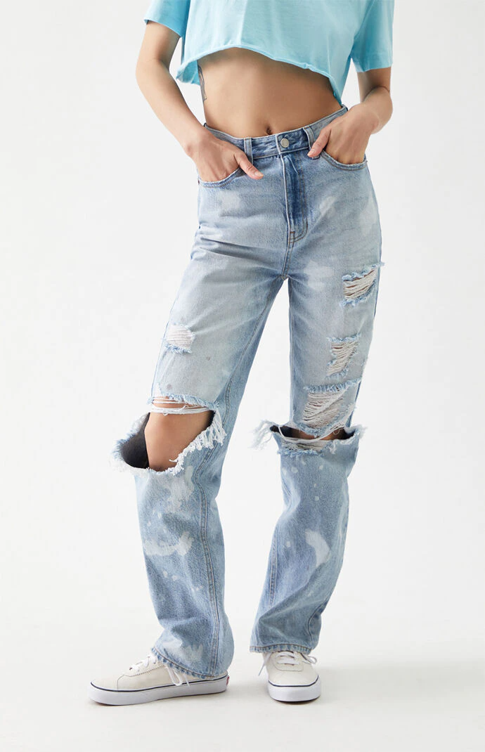 """<br><br><strong>PacSun</strong> Distressed '90s Boyfriend Jeans, $, available at <a href=""""https://go.skimresources.com/?id=30283X879131&url=https%3A%2F%2Fwww.pacsun.com%2Fpacsun%2Flight-blue-distressed-90s-boyfriend-jeans-0860602840003.html"""" rel=""""nofollow noopener"""" target=""""_blank"""" data-ylk=""""slk:PacSun"""" class=""""link rapid-noclick-resp"""">PacSun</a>"""