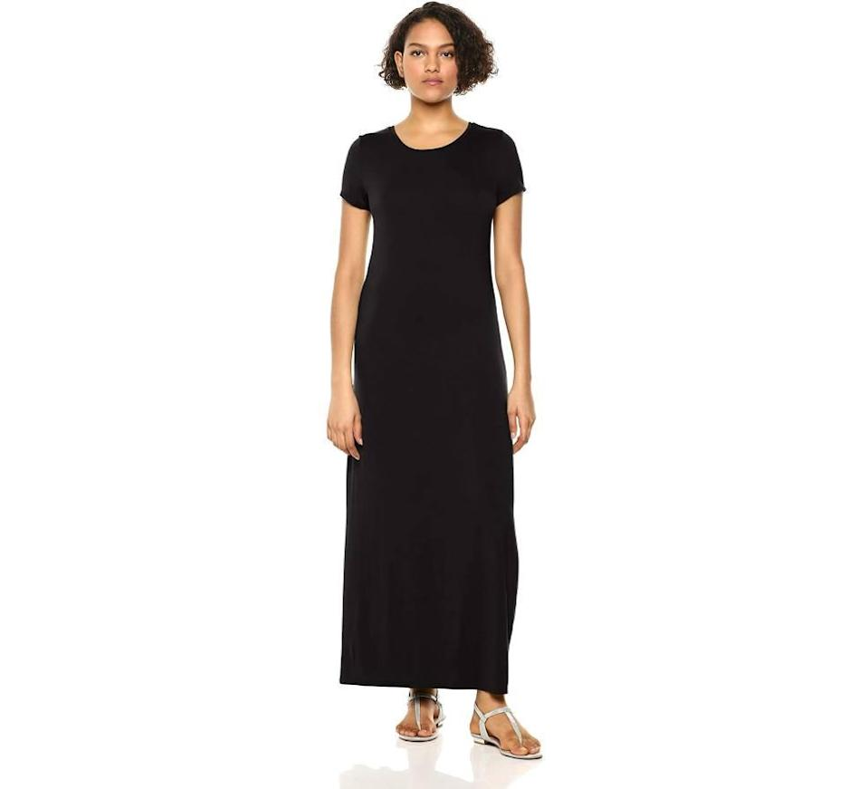 Amazon Essentials Women's Short Sleeve Maxi Dress (Photo: Amazon)