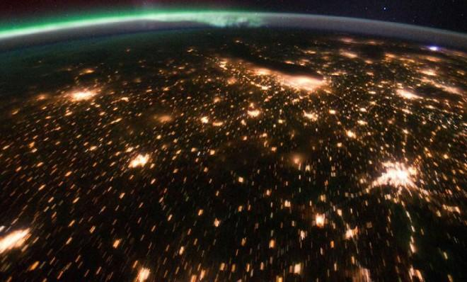 The Midwest as seen from the International Space Station: To prevent cyber attacks, the U.S. could build an electronic wall around the country.