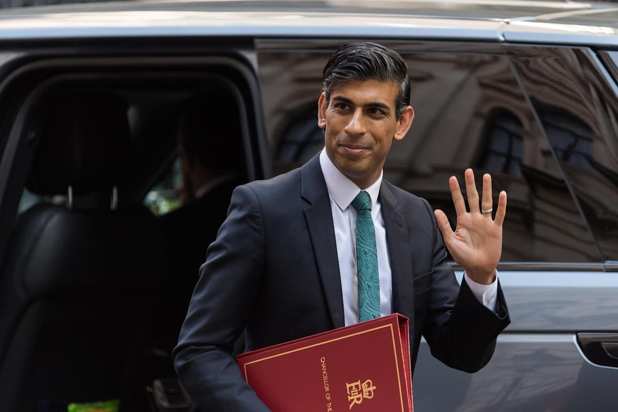 LONDON, UNITED KINGDOM - SEPTEMBER 08, 2021: Chancellor of the Exchequer Rishi Sunak arrives in Downing Street ahead of Prime Minister's Questions at the House of Commons on September 08, 2021 in London, England. (Photo credit should read Wiktor Szymanowicz/Barcroft Media via Getty Images)