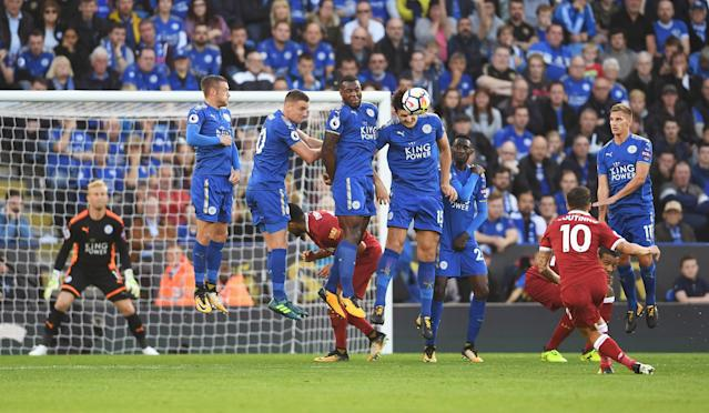Philippe Coutinho scores a free-kick during the Premier League match between Leicester City and Liverpool at The King Power Stadium on September 23, 2017 in Leicester, England.