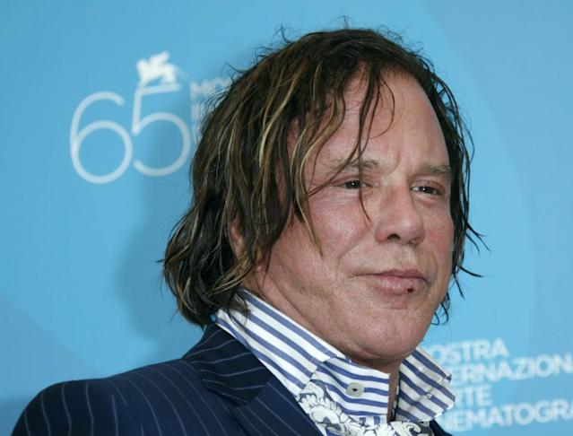 We could see Mickey Rourke back in the boxing ring before the end of the year, apparently. (Getty)
