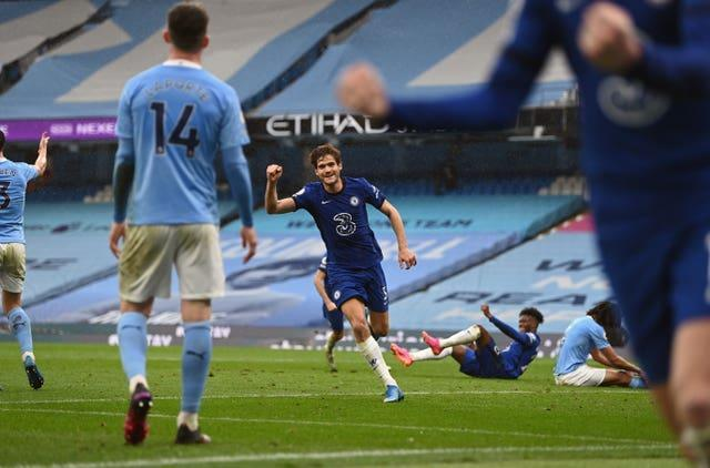 Marcos Alonso scored a late winner as Chelsea won 2-1 at Manchester City on Saturday