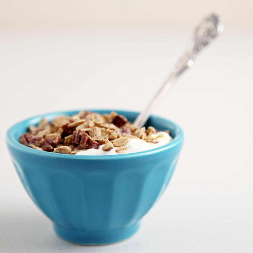 """<p>One key to losing weight is eating foods that keep you full, avoiding later hunger pains that tempt you to eat high-calorie foods. For the first meal of the day, eat at least eight grams of fiber. Try these <a href=""""https://www.popsugar.com/fitness/Cereals-8-Grams-Fiber-More-3530077"""" class=""""link rapid-noclick-resp"""" rel=""""nofollow noopener"""" target=""""_blank"""" data-ylk=""""slk:10 high-fiber cereals"""">10 high-fiber cereals</a> or <a href=""""https://www.popsugar.com/fitness/Gluten-Free-Breakfasts-High-Fiber-20860376"""" class=""""link rapid-noclick-resp"""" rel=""""nofollow noopener"""" target=""""_blank"""" data-ylk=""""slk:breakfast meals that contain at least 10 grams"""">breakfast meals that contain at least 10 grams</a>. </p>"""