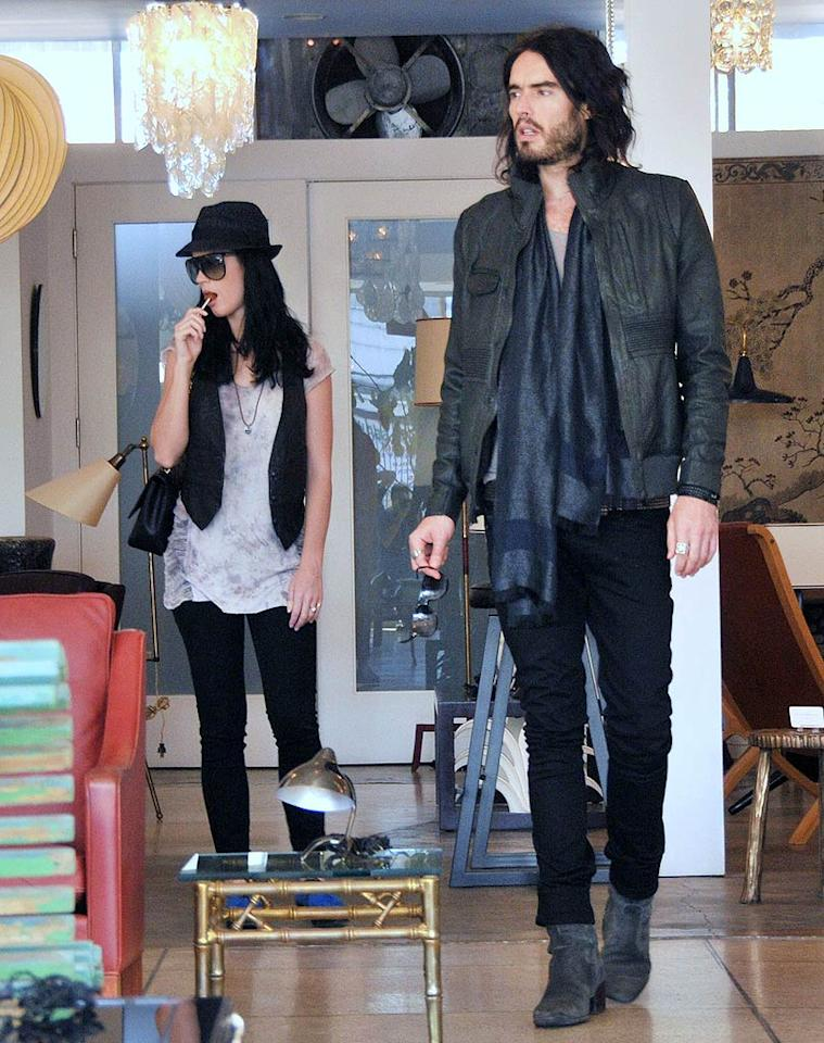 "Rocker Katy Perry and her husband-to-be Russell Brand rummaged for items to add to their shared address. MAP/<a href=""http://www.splashnewsonline.com"" target=""new"">Splash News</a> - January 23, 2010"