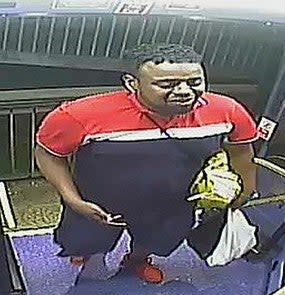 Police are looking to speak to this man following an incident of anti-Semitic abuse on a bus. (Metropolitan Police/PA)