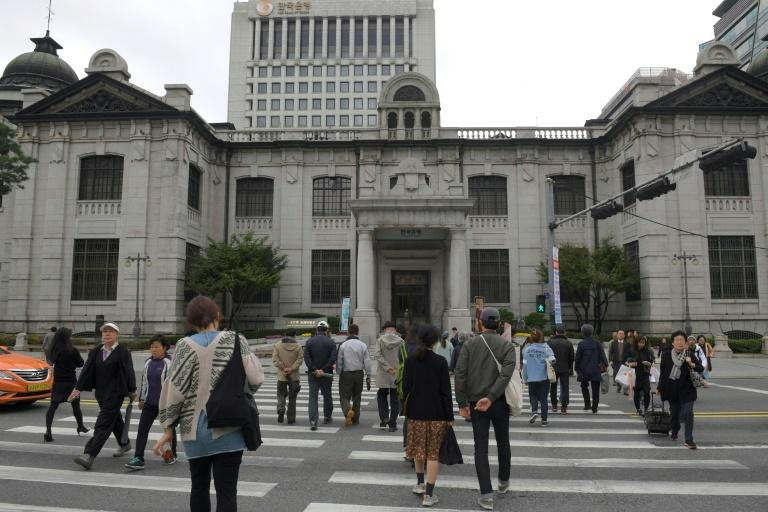 Bank of Korea keeps key rate steady at 1.25%