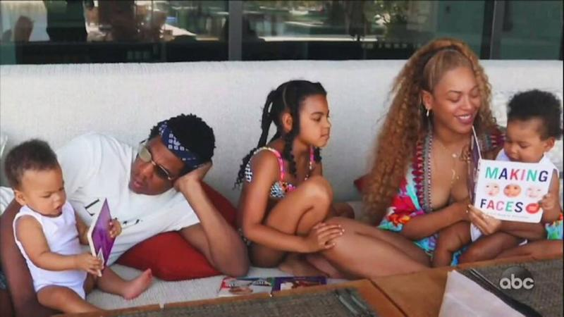 Beyoncé with JAY-Z and her childre