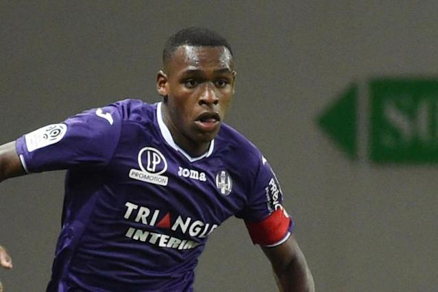 West Ham confirm Issa Diop signing, beating Everton and Sevilla to £22million deal