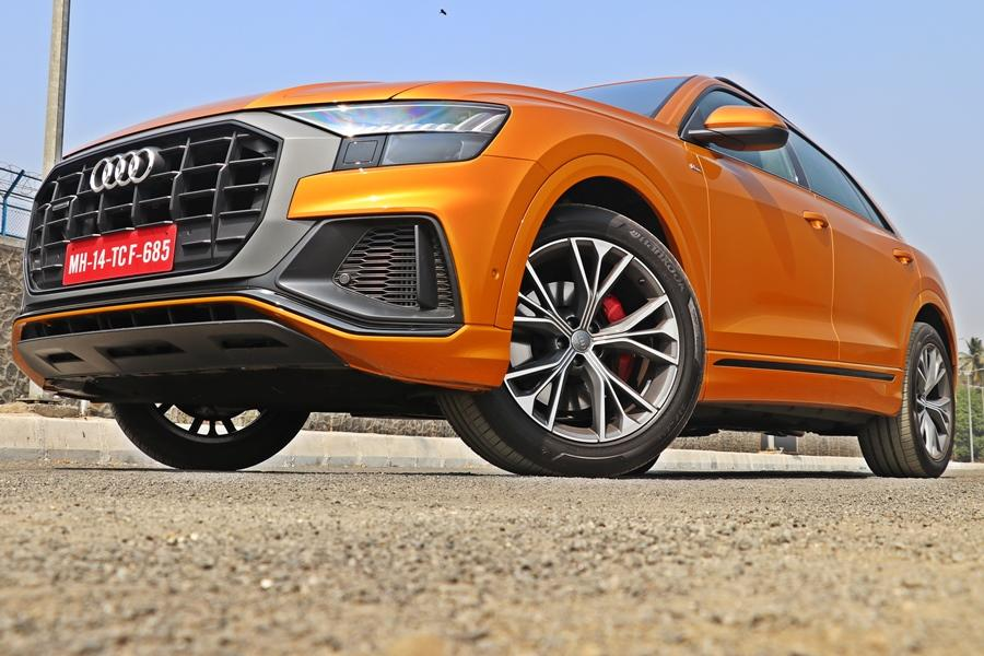 While the Q8 is a large SUV, it hides its bulk with ease and looks simply stunning owing to its outrageous proportions. It is slightly shorter than a Q7, but carries way more presence than its sibling.