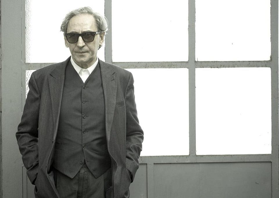 """<span class=""""caption"""">Franco Battiato (1945-2021).</span> <span class=""""attribution""""><a class=""""link rapid-noclick-resp"""" href=""""https://upload.wikimedia.org/wikipedia/commons/f/f1/Franco_battiato.jpg"""" rel=""""nofollow noopener"""" target=""""_blank"""" data-ylk=""""slk:Wikimedia Commons"""">Wikimedia Commons</a>, <a class=""""link rapid-noclick-resp"""" href=""""http://creativecommons.org/licenses/by-nc-nd/4.0/"""" rel=""""nofollow noopener"""" target=""""_blank"""" data-ylk=""""slk:CC BY-NC-ND"""">CC BY-NC-ND</a></span>"""