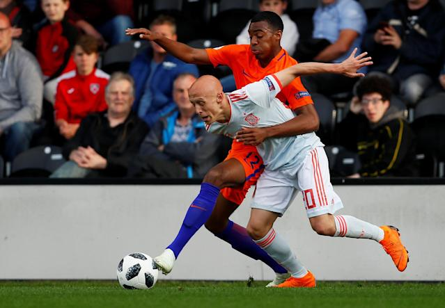 Soccer Football - UEFA European Under-17 Championship - Group D - Netherlands v Spain - Burton Albion FC Stadium, Burton-upon-Trent, Britain - May 8, 2018 Netherlands' Ryan Gravenberg in action with Spain's Victor Mollejo Carpintero Action Images via Reuters/Jason Cairnduff