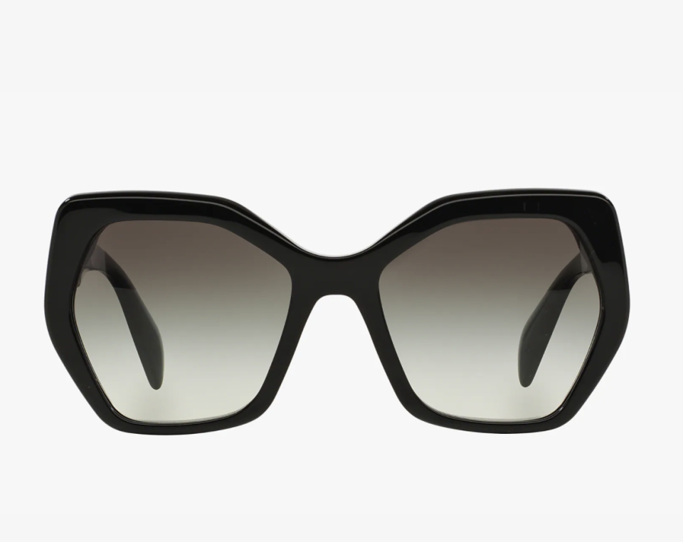 """<p><strong>Prada</strong></p><p>sunglasshut.com</p><p><strong>$280.00</strong></p><p><a href=""""https://go.redirectingat.com?id=74968X1596630&url=https%3A%2F%2Fwww.sunglasshut.com%2Fus%2Fprada%2Fpr16rs-8053672383928&sref=https%3A%2F%2Fwww.harpersbazaar.com%2Ffashion%2Ftrends%2Fg37039475%2Fgifts-for-new-moms%2F"""" rel=""""nofollow noopener"""" target=""""_blank"""" data-ylk=""""slk:Shop Now"""" class=""""link rapid-noclick-resp"""">Shop Now</a></p><p>Hide those sleepy eyes in style.</p>"""