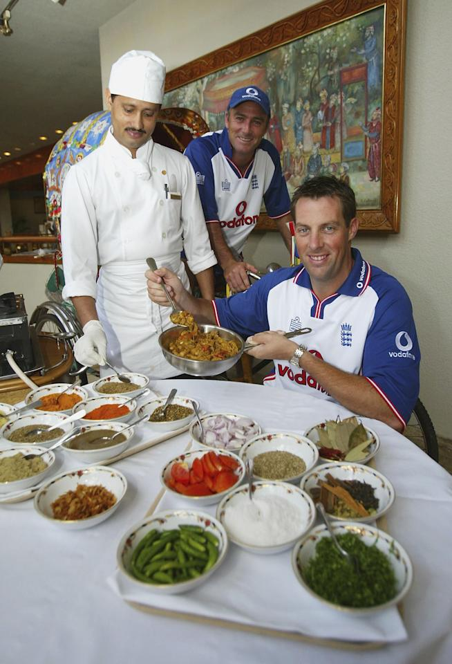DHAKA, BANGLADESH - OCTOBER 19:  Marcus Trescothick and Graham Thorpe of England pose ahead of the 1st Test against Bangladesh at the team Hotel, on October 19, 2003 in Dhaka, Bangladesh. (Photo by Michael Steele/Getty Images).