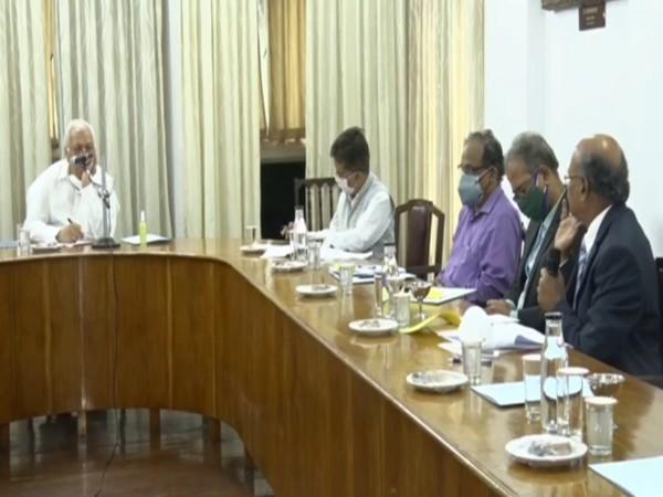 Kerala Governor Arif Mohammed Khan during meeting with the vice-chancellors. (Photo/ ANI)
