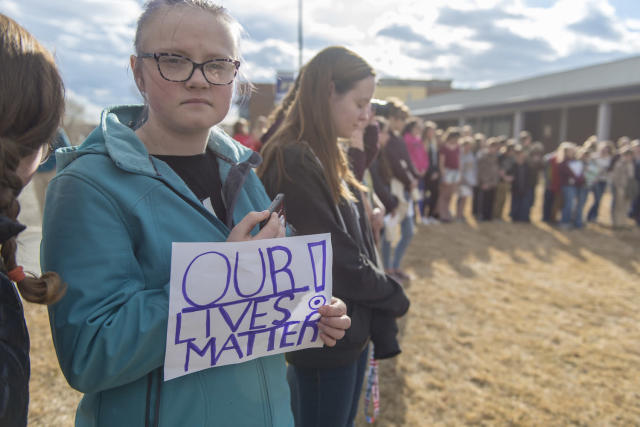 <p>Students from Park High School and Sleeping Giant Middle School in Livingston, MT take part in a national walkout to protest gun violence. <br> (Photo: Getty Images) </p>
