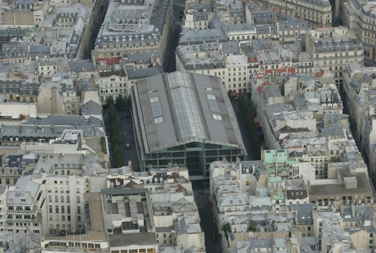 An aerial view of the Place du Marche Saint-Honore in 2005