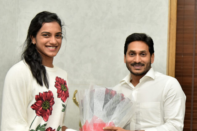 PV Sindhu Meets Andhra CM, Requests Her Tokyo 2020 Participation to be Considered on Duty