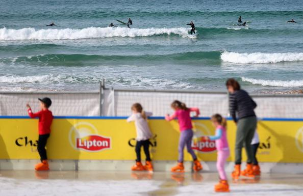 A general view of the Bondi Beach Ice Rink on July 10, 2012 in Sydney, Australia. One of the most popular attractions of the annual winter festival, the beach ice rink opened to the public last week complete with ice skate rentals, gourmet food and apres-ski drink options. (Photo by Ryan Pierse/Getty Images)