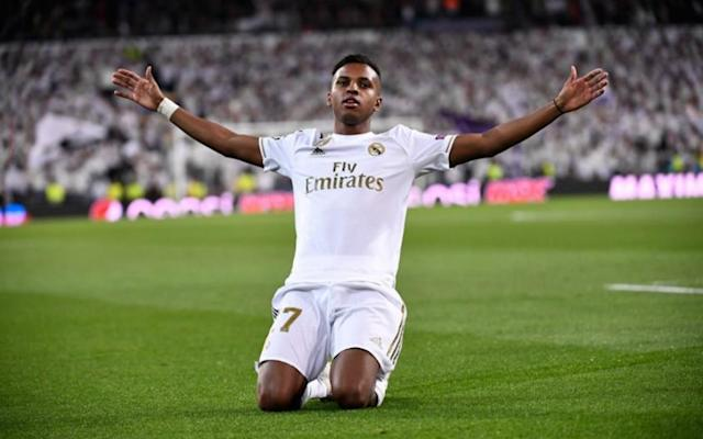 Ídolos do Real se rendem a Rodrygo (Foto: Pierre-Philippe Marcou / AFP)