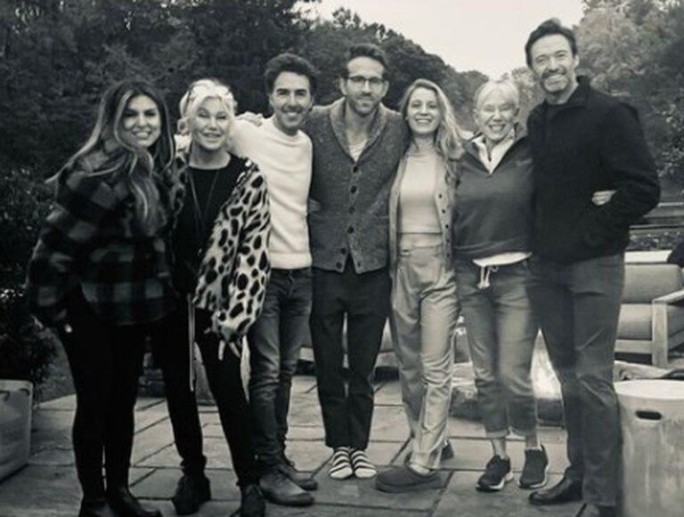 Hugh Jackman and Ryan Reynolds with their partners (Photo: Instagram / @