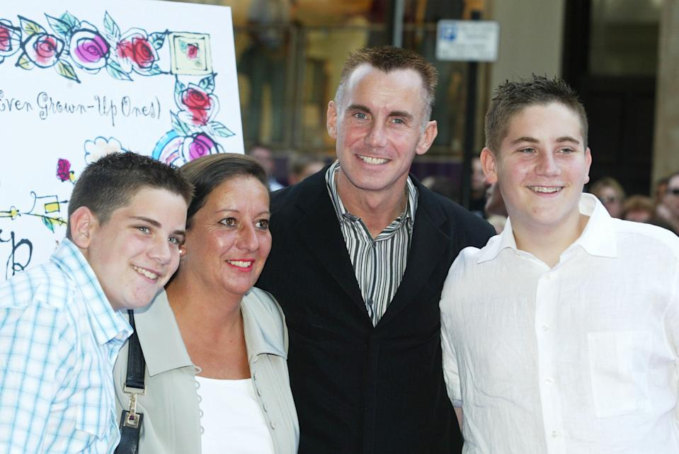 Gary Rhodes and family pictured in 2003 in London. (Photo by Jo Hale/Getty Images)