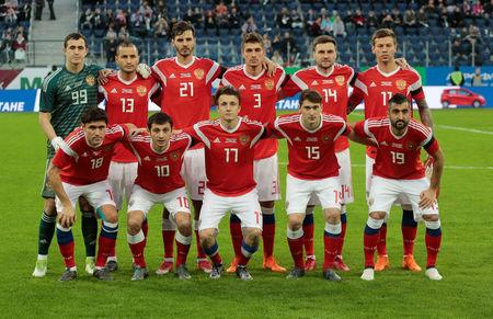 Soccer Football - International Friendly - Russia vs France - Saint-Petersburg Stadium, Saint Petersburg, Russia - March 27, 2018   Russia players pose for a team group photo before the match       REUTERS/Anton Vaganov
