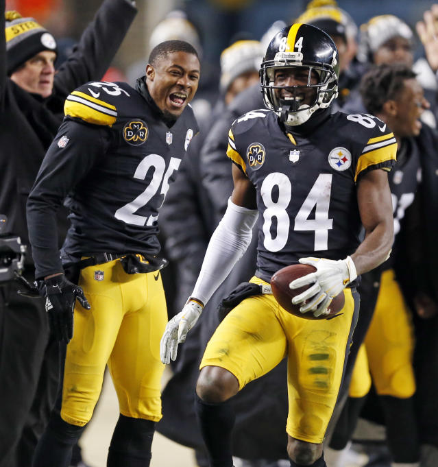 Pittsburgh Steelers wide receiver Antonio Brown (84) celebrates setting up the game winning field goal during the second half of an NFL football game against the Baltimore Ravens in Pittsburgh, Sunday, Dec. 10, 2017. The Steelers won 39-38. (AP Photo/Keith Srakocic)