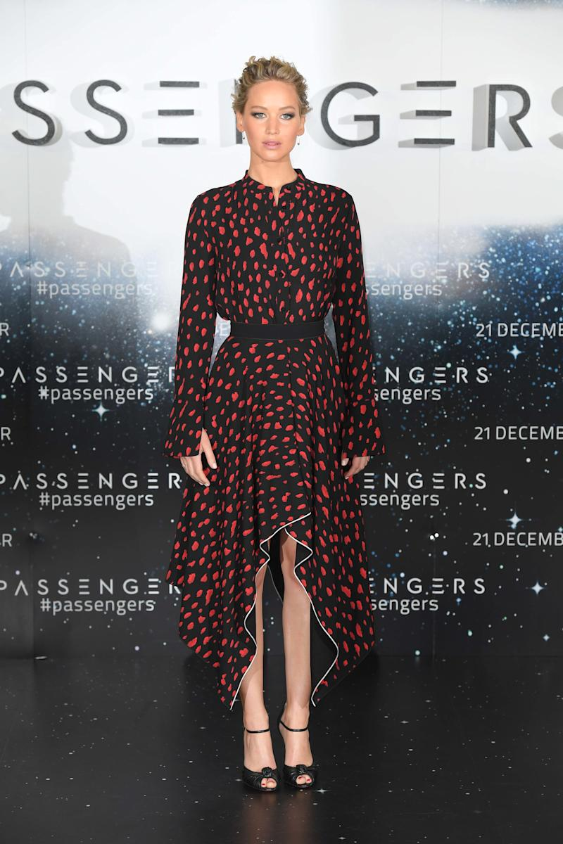 """Jennifer Lawrence attends a photocall for their film """"Passengers"""" at Claridge's Hotel on December 1, 2016 in London, England."""