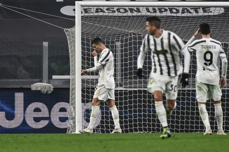 Cristiano Ronaldo's (L) Juventus have drawn six times in 12 games this season.