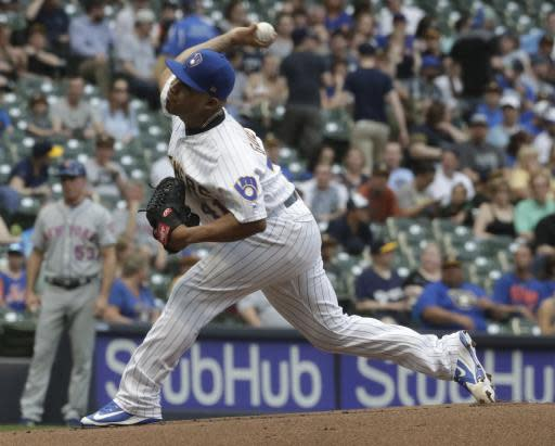 Milwaukee Brewers starting pitcher Junior Guerra throws during the first inning of a baseball game against the New York Mets Friday, May 25, 2018, in Milwaukee. (AP Photo/Morry Gash)