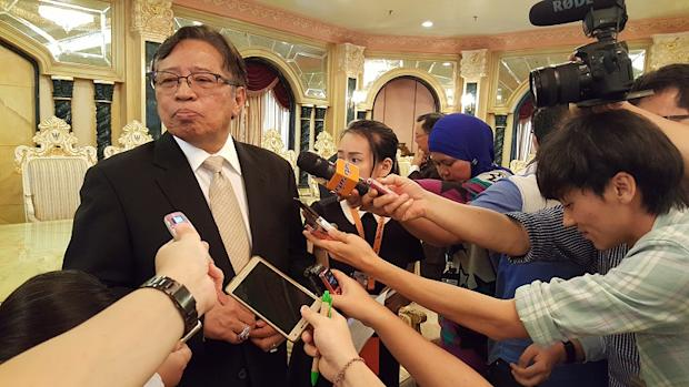 Datuk Amar Abang Johari Abang Openg (pic) has been accused of abusing his discretionary immigration power to ban Datuk Jeffery Kitingan from entering Sarawak. — Picture by Sulok Tawie