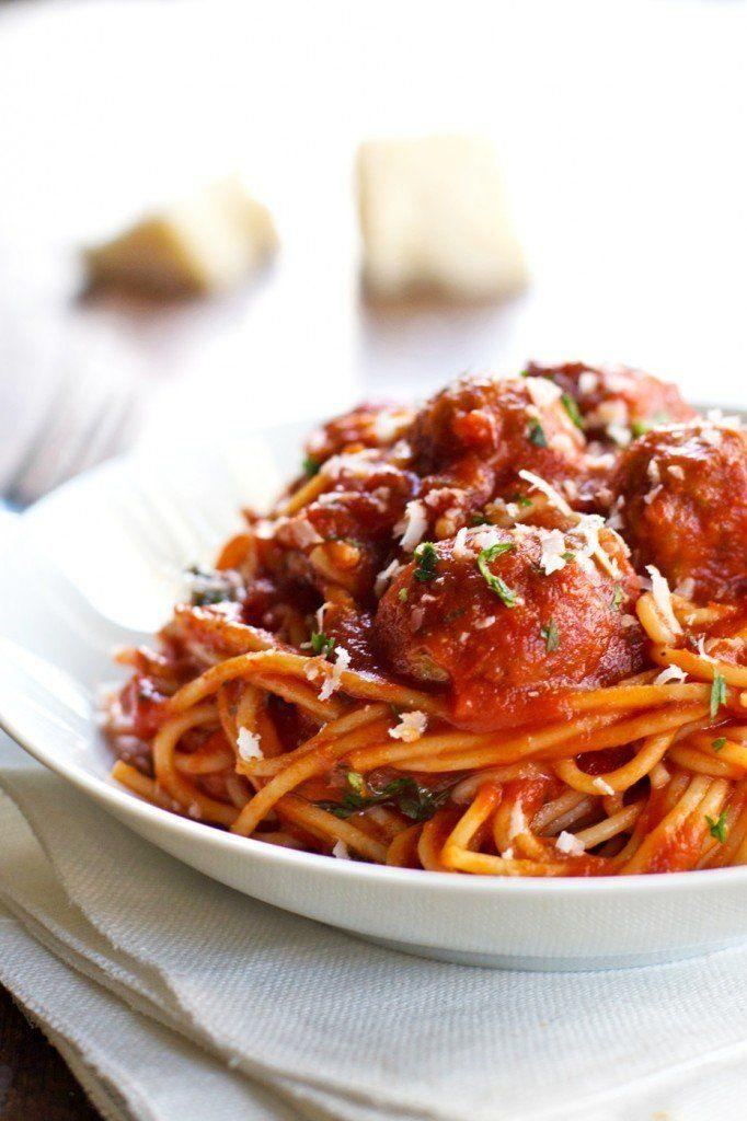 "<strong>Get the&nbsp;<a href=""http://pinchofyum.com/skinny-spaghetti-and-meatballs?utm_source=feedburner&amp;utm_medium=feed&amp;utm_campaign=Feed:+pinch-of-yum+(Pinch+of+Yum)"">Skinny Spaghetti and Meatballs recipe</a>&nbsp;from Pinch of Yum</strong>"