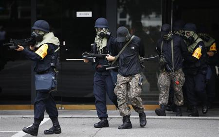 South Korean police take part in an anti-terror drill in Seoul