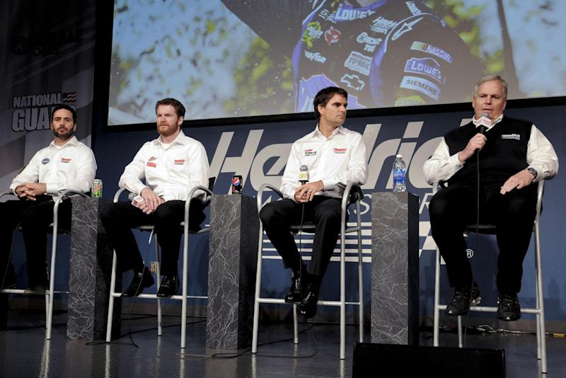 Hendrick on a roll with Johnson, Gordon, Earnhardt