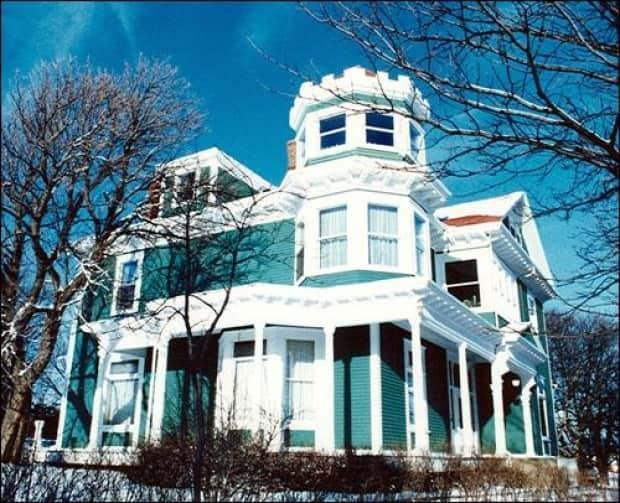 The City of St. John's has won a long-running lawsuit launched by the former and current owners of Bryn Mawr, also known as Baird Cottage. (Heritage Foundation of Newfoundland and Labrador - image credit)