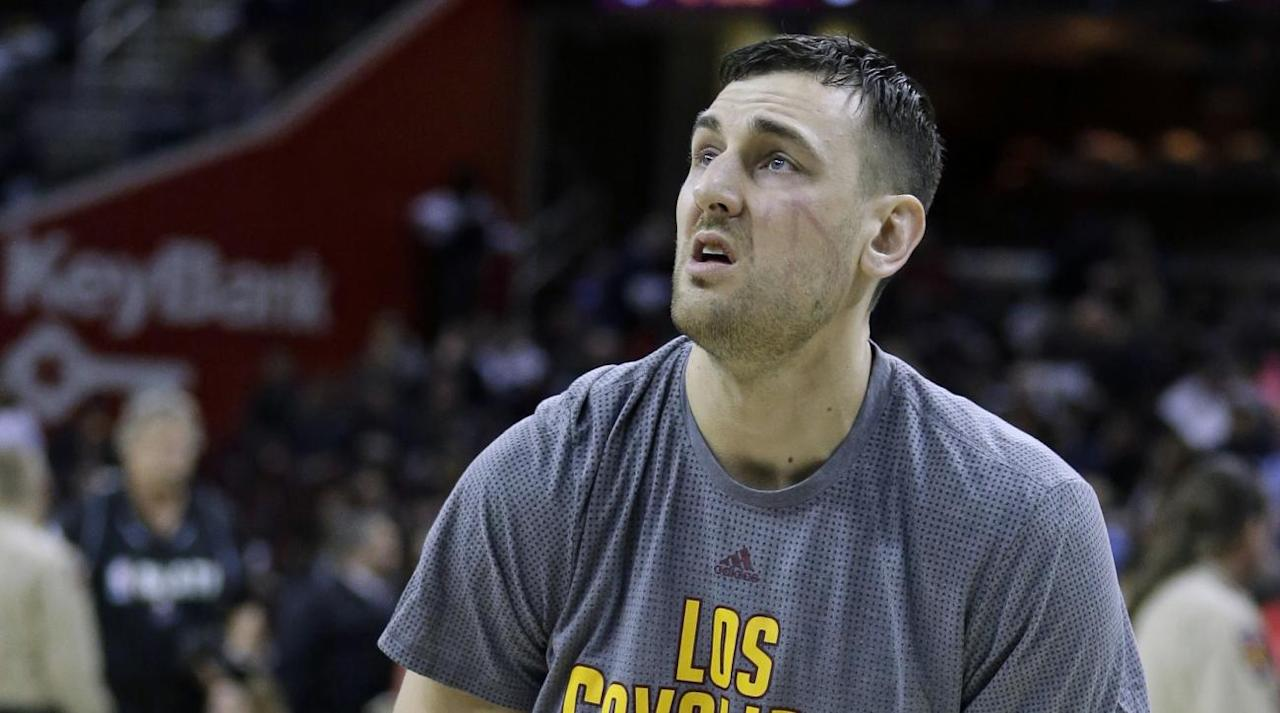 "<p>The agent for free-agent center Andrew Bogut says he has agreed to a one-year deal with the Los Angeles Lakers, <a rel=""nofollow"" href=""https://twitter.com/ShamsCharania/status/909975841504940032"">reports</a> The Vertical's Shams Charania.</p><p>The deal will be worth $2.3 million, which is the league veteran minimum.</p><p>Bogut, 32, last played for the Cleveland Cavaliers, joining the team in February after receiving a buyout from the Philadelphia 76ers.</p><p>His stint with Cleveland was short-lived as Bogut broke his leg in the very first minute of playing time after signing with the team.</p><p>Bogut, the No. 1 overall pick in the 2005 NBA draft with the Milwaukee Bucks, has averaged 10.0 points, 8.9 rebounds and 1.6 blocks in 11 seasons, with the Bucks, Golden State Warriors, Dallas Mavericks and 76ers.</p>"