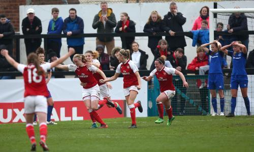 Arsenal book Women's FA Cup final place as Quinn breaks Everton hearts