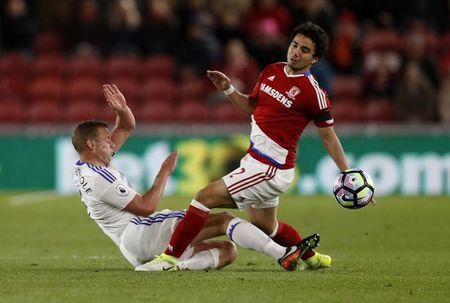 Britain Soccer Football - Middlesbrough v Sunderland - Premier League - The Riverside Stadium - 26/4/17 Sunderland's Lee Cattermole in action with Middlesbrough's Fabio Action Images via Reuters / Lee Smith Livepic