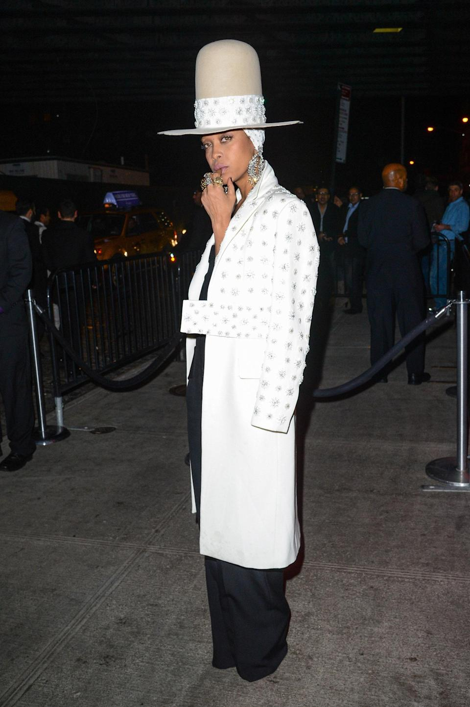 """<h1 class=""""title"""">Erykah Badu in Givenchy, 2014</h1><cite class=""""credit"""">Photo: Getty Images</cite>"""