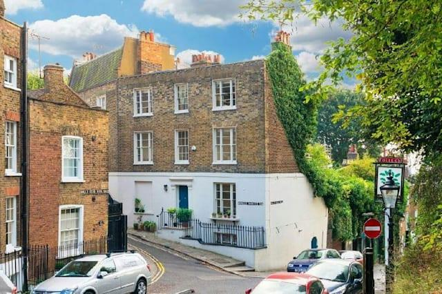 The house owned by Jamie Oliver