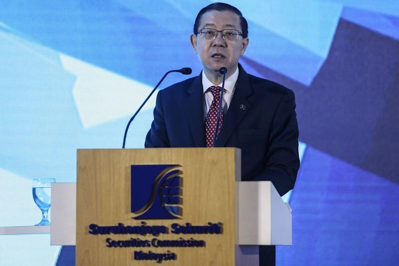 Lim Guan Eng gives a speech at the Securities Commission Malaysia headquarters in Kuala Lumpur October 1, 2018. — Picture by Hari Anggara