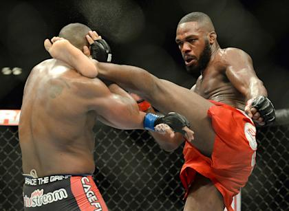 Jon Jones (R) defended his light heavyweight title vs. Daniel Cormier. (USA TODAY Sports)