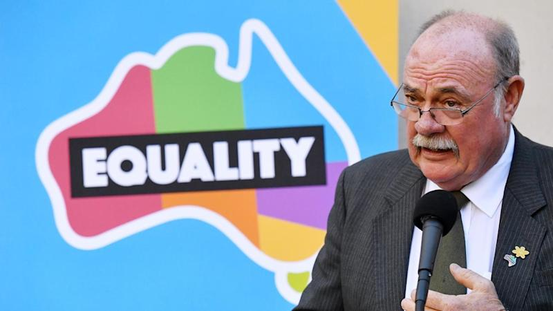 Liberal MP Warren Entsch says the party must make its own decision on marriage equality.