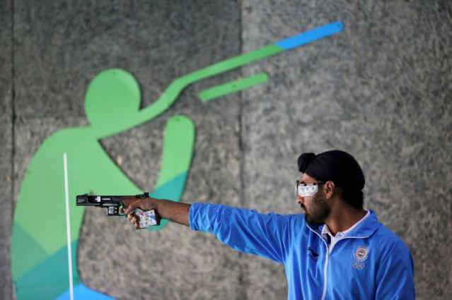 FILE PHOTO: 2016 Rio Olympics - Shooting - Preliminary - Men's 25m Rapid Fire Pistol Qualification - Stage 1
